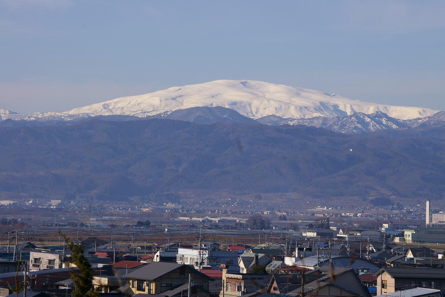若木山に登って月山を撮影