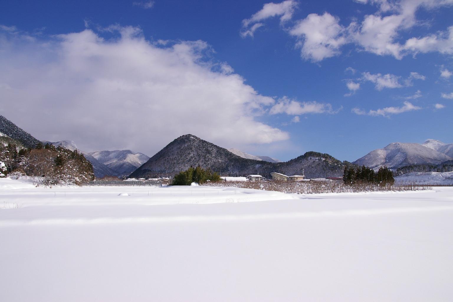 東根市観音寺の雪の風景