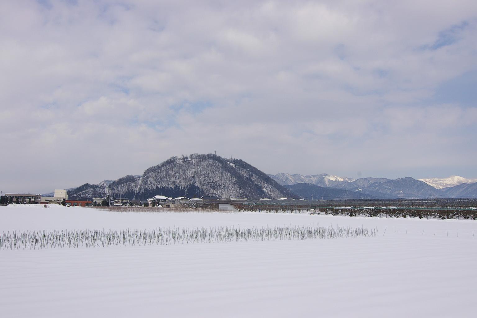 白銀の大森山