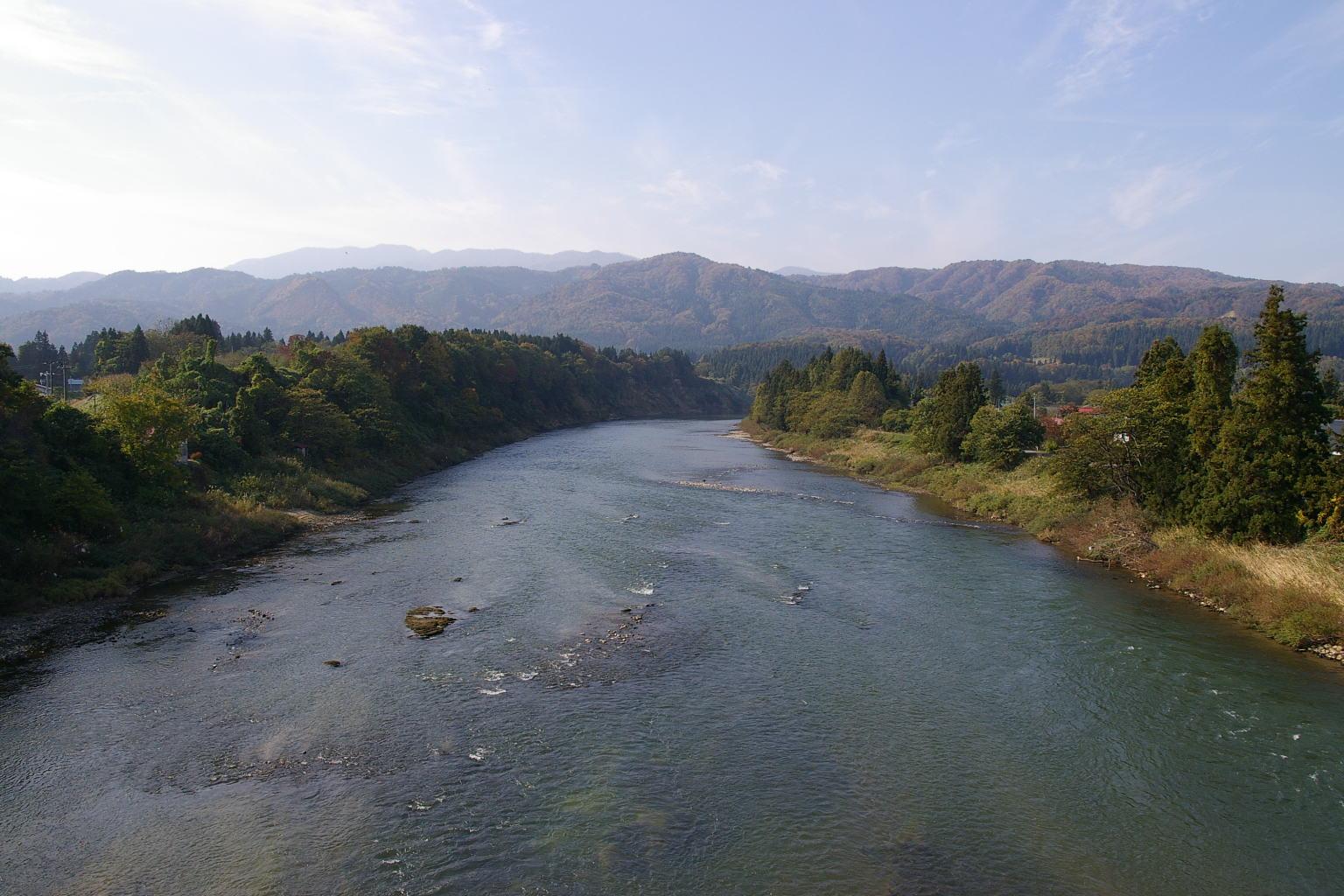 村山市 三ヶ瀬の流れ 最上川