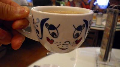 """香港のコーヒーカップが可愛いです"""""""