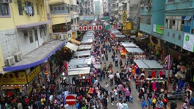 香港 旺角・モンコック駅の遊歩道からの眺め、雑踏
