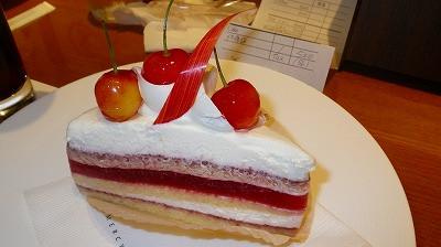 グラマシーニューヨークでのケーキです