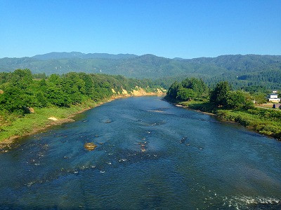 村山市 三ヶ瀬の流れ