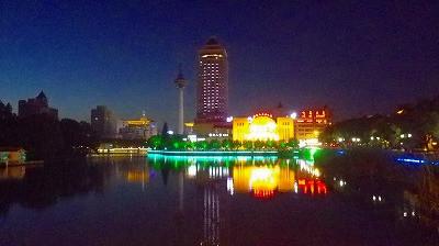 中国南通市の日が暮れました。</p> <p>