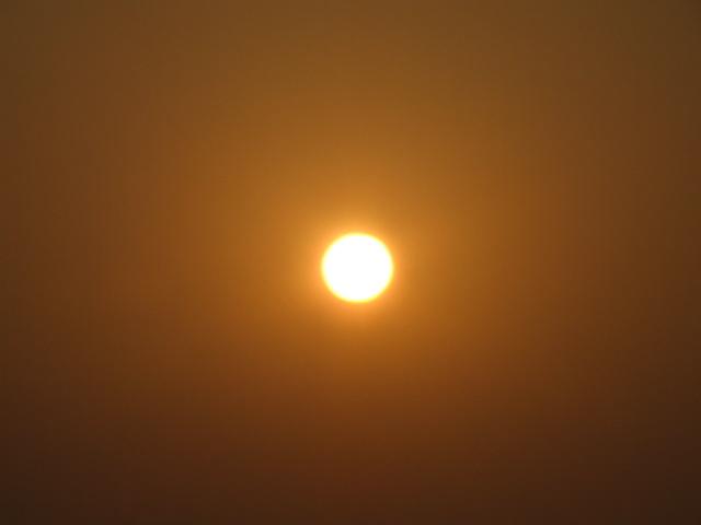 長江から昇る太陽