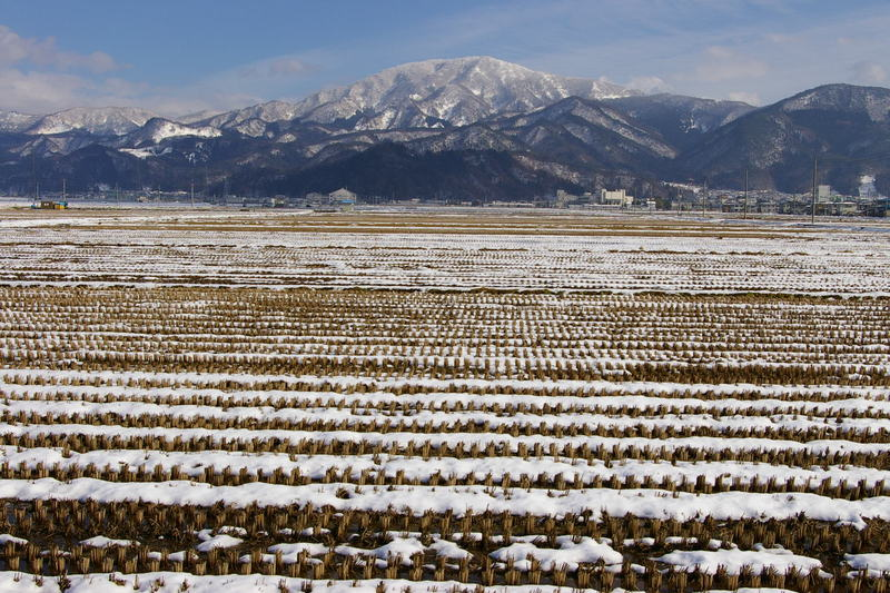 初冬の山形 村山市から眺める甑岳