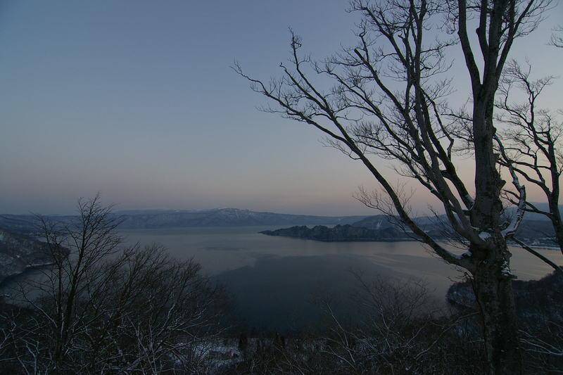 十和田湖夜明け 「発荷峠から眺める」
