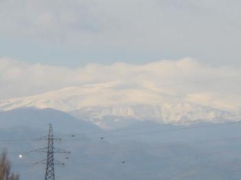 「月山の冠雪―来るべき冬」