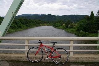 最上川 三ヶ瀬の流れ