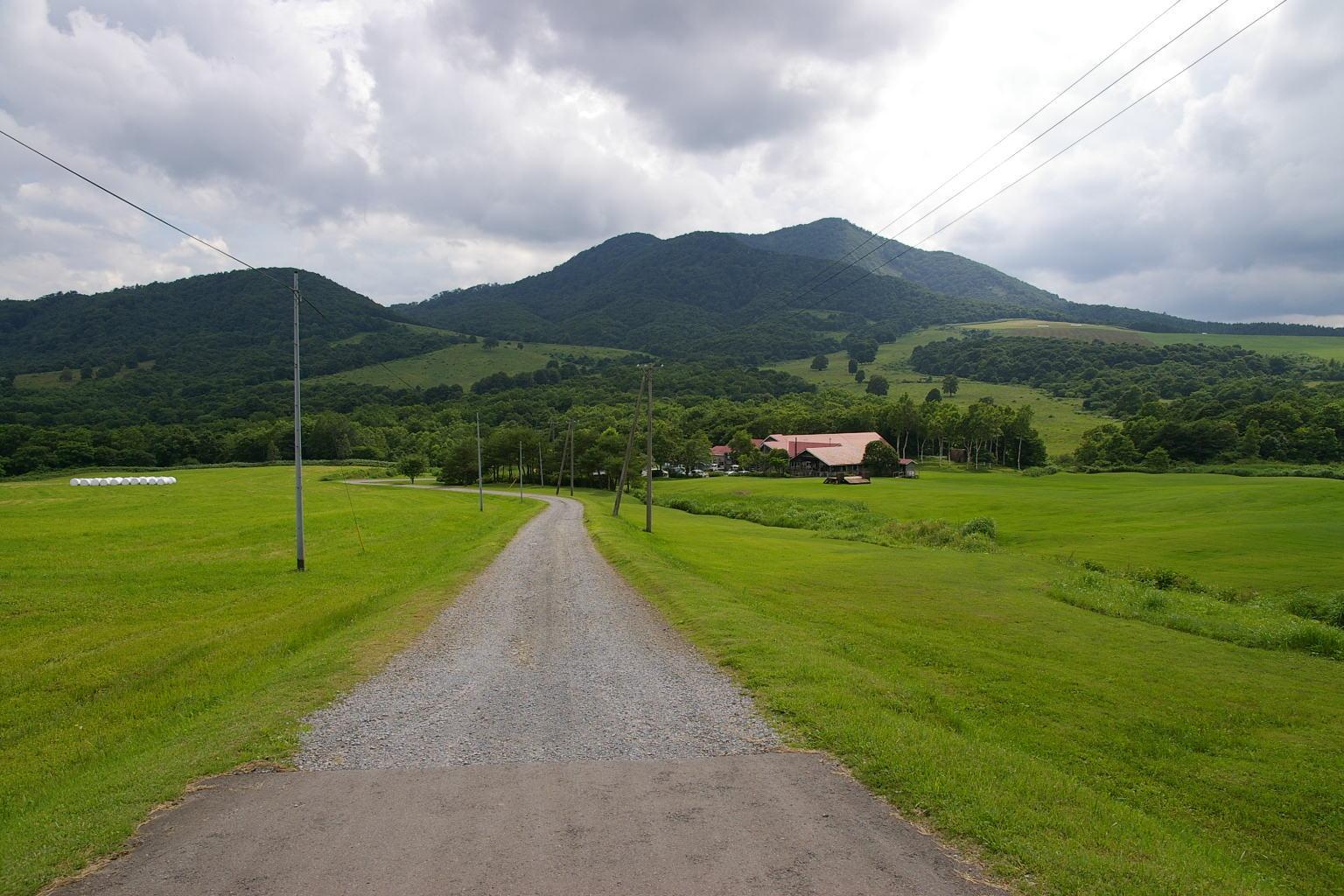 七時雨山荘へ向かうダート道