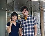 横浜ロイヤルパークホテル前で 妻と