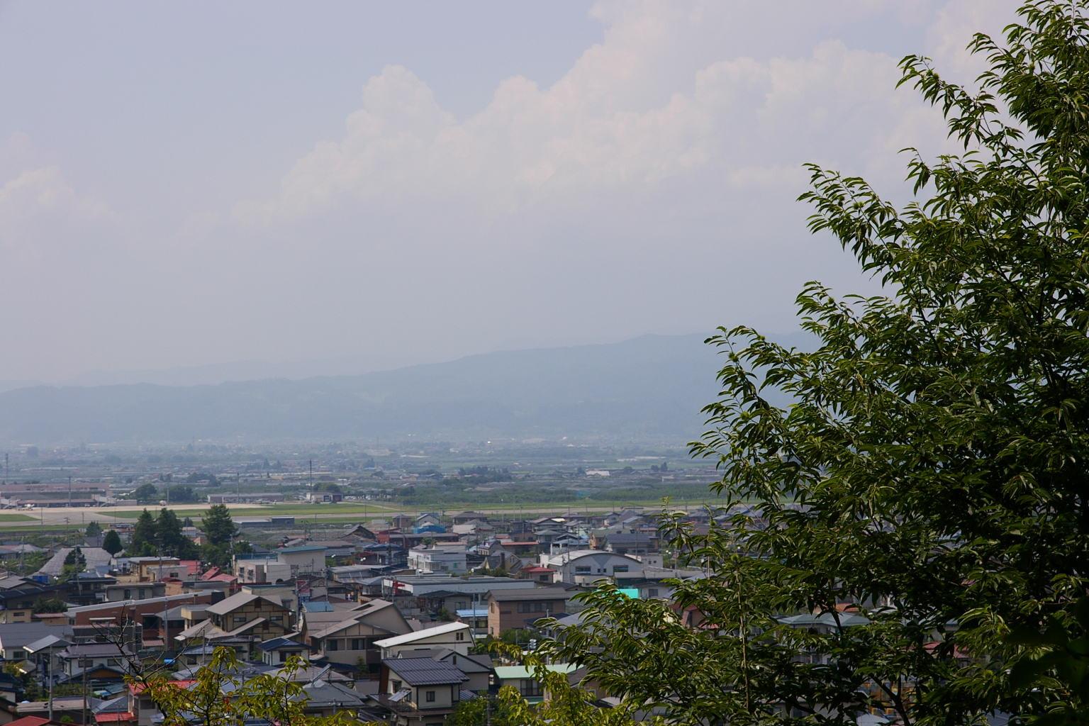 河北町、山形空港方面の眺め