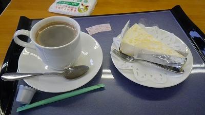 お昼の食後のケーキセット