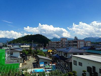 若木山と神町小学校