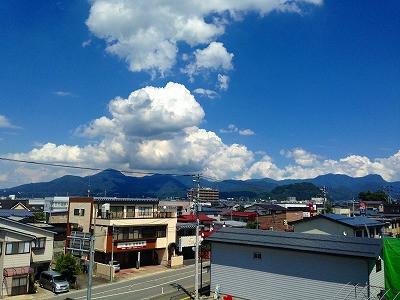 I甑岳と大森山、そして夏の入道雲
