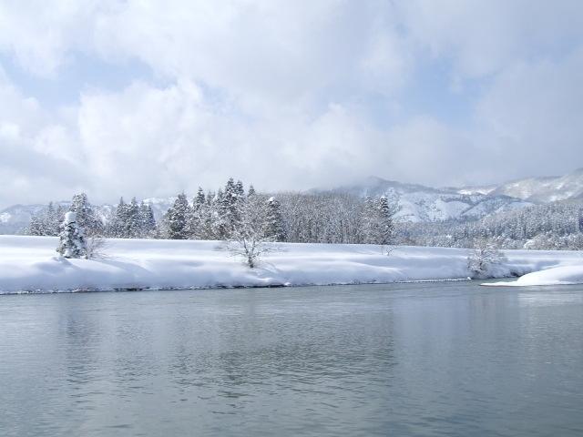 すっかりと雪景色の葉山連邦