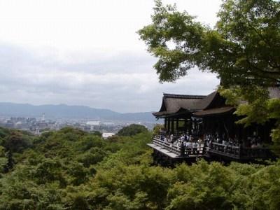 京都は蒸し暑かったです。
