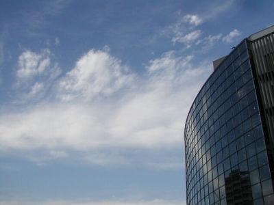 東京の青空も実にきれいで、六本木は良いところでした。