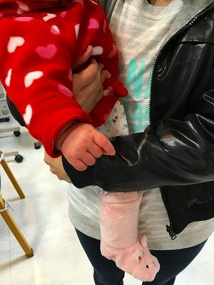 ちょうどこの日にご来店された赤ちゃんを抱いた「土屋先生にお礼参り」という神町のお客さま。