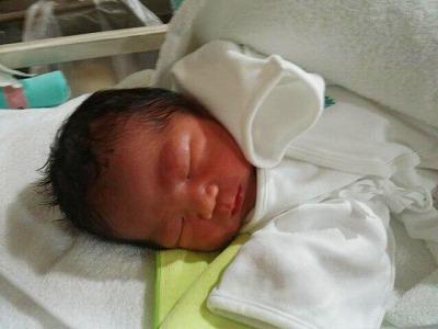 漢方を服用されて出産された赤ちゃんのお写真です